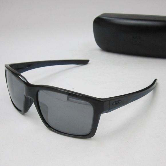 23f5629dd5b6c Oakley Mainlink OO9264-18 Man s Sunglasses OLN347.  M 5b477dd534a4ef083c9bd099